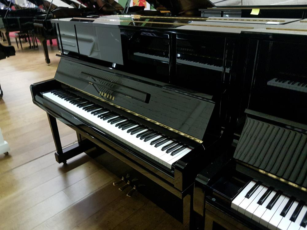 Yamaha UX1
